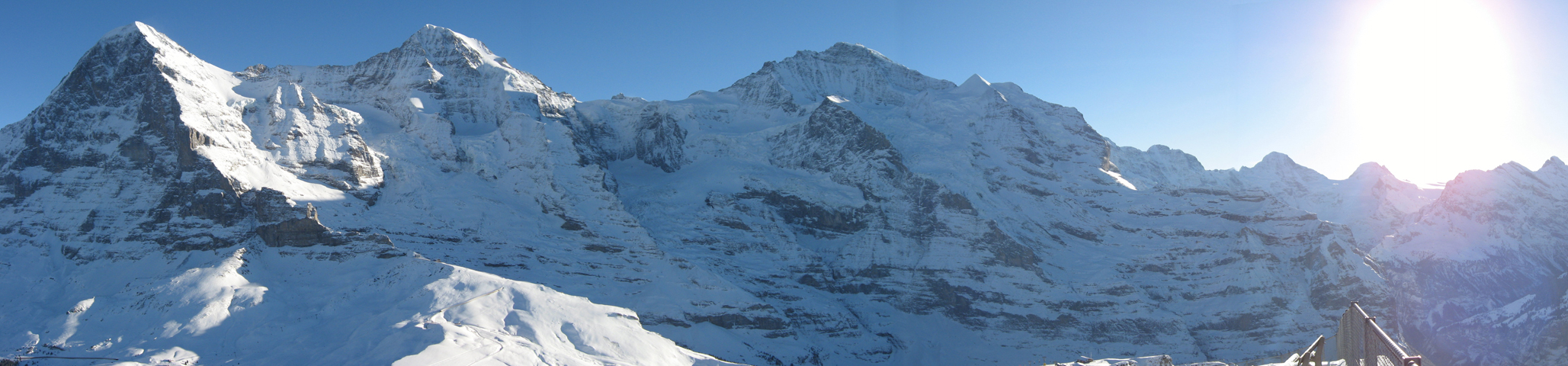 Panorama Eiger bis Blüemlisalp
